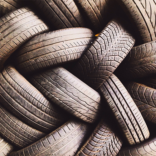 Transforming waste tyres into oil and black carbon